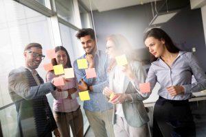 Times contábeis e fiscais realizando brainstorm para tornar o setor mais ágil e produtivo.